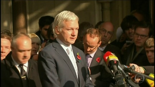 Justiça sueca reabre investigação sobre suposto estupro cometido por Assange