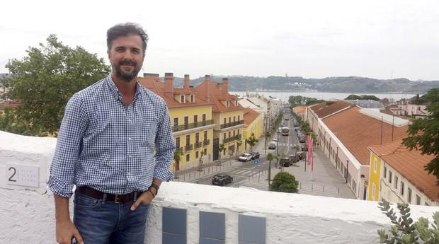 Manoel Barbosa, 46 anos, empresário de Londrina, dono de terras e de concessionárias de veículos no Mato Grosso, mudou para Lisboa com a mulher e os três filhos  (Foto: Estadão Conteúdo)