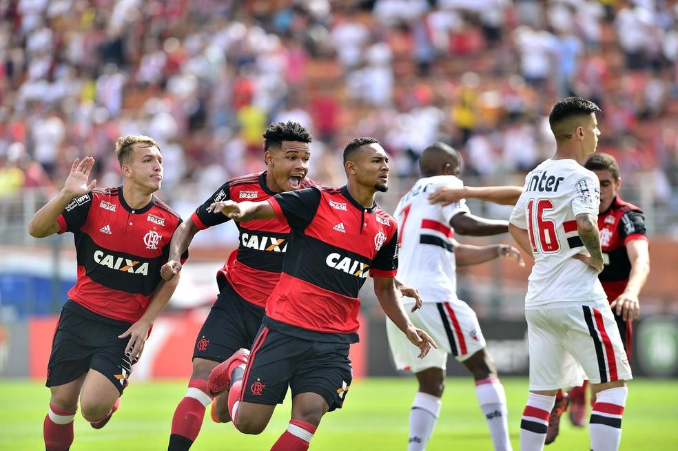 Wendel comemora gol do título do Flamengo na Copa São Paulo de Futebol Jr. (Foto: Marcos Riboli)