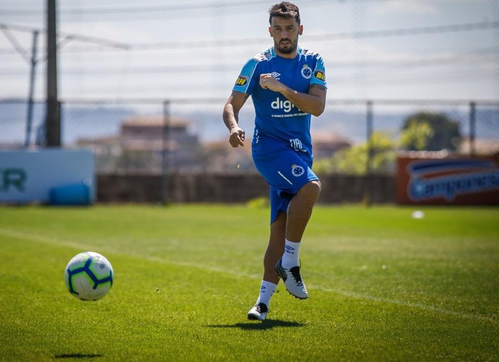 Edilson viveu um ano péssimo pelo Cruzeiro — Foto: Divulgação/ Cruzeiro