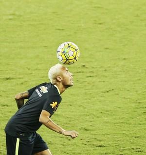 Neymar - treino (Foto: Alexandre Lago)