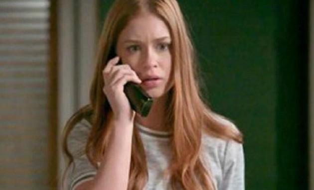 Na sexta-feira (24), Eliza entra em pânico ao avistar Dino (Foto: TV Globo)