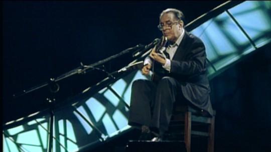'Em Casa com Nelson Motta' apresenta a obra de João Gilberto