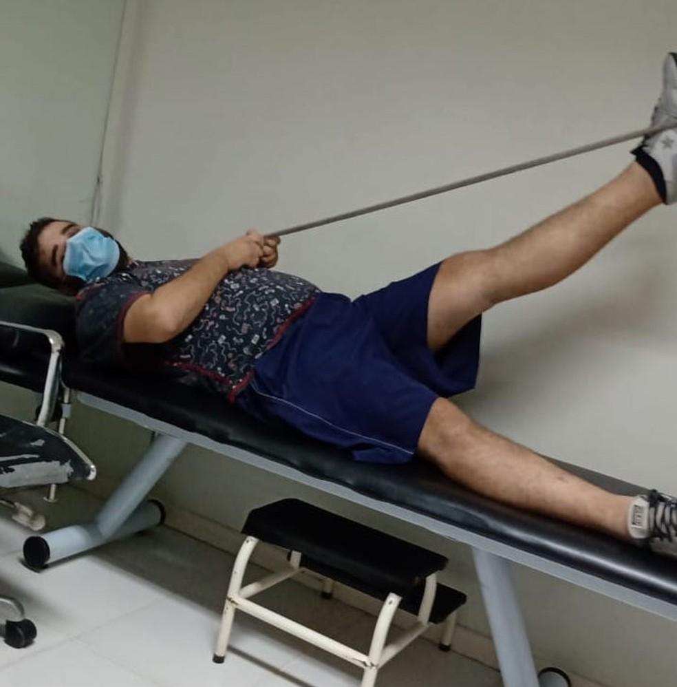 Robert precisa fazer fisioterapia para se recuperar totalmente da Covid-19. — Foto: Arquivo Pessoal