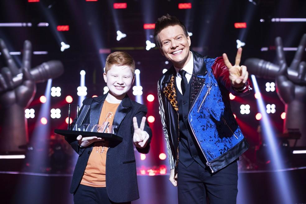 Gustavo Bardim, campeão do 'The Voice Kids 2021', é ótimo cantor com futuro na música sertaneja romântica