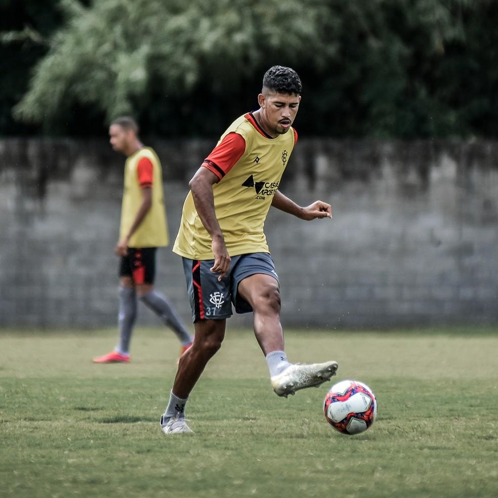 Soares tem quatro gols no ano — Foto: Pietro Carpi / Divulgação / EC Vitória
