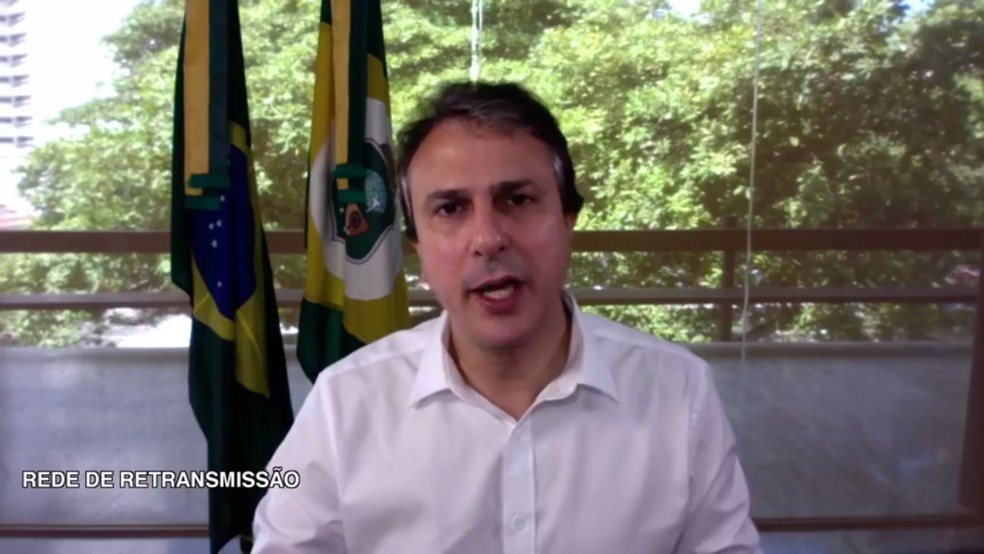 Camilo Santana fez anúncio de câmeras de segurança pelo Facebook (Foto: Facebook/Reprodução)