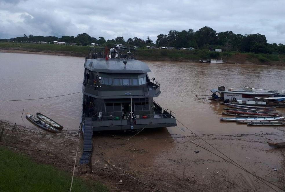 Navio não saiu de Cruzeiro do Sul por causa do nível do Rio Juruá (Foto: Adelcimar Carvalho/G1)
