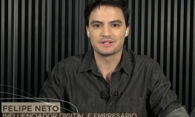 """Em entrevista ao Roda Viva, Felipe Neto criticou os isentões: """"Quem se cala é conivente com a opressão"""""""
