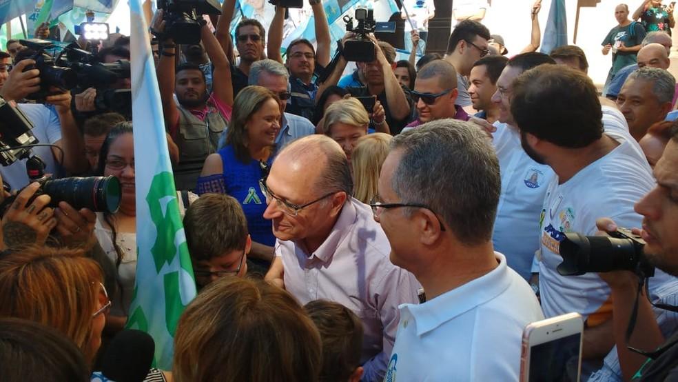 Candidato à Presidência Geraldo Alckmin (PSDB) durante campanha em Sorocaba — Foto: Carlos Dias/G1