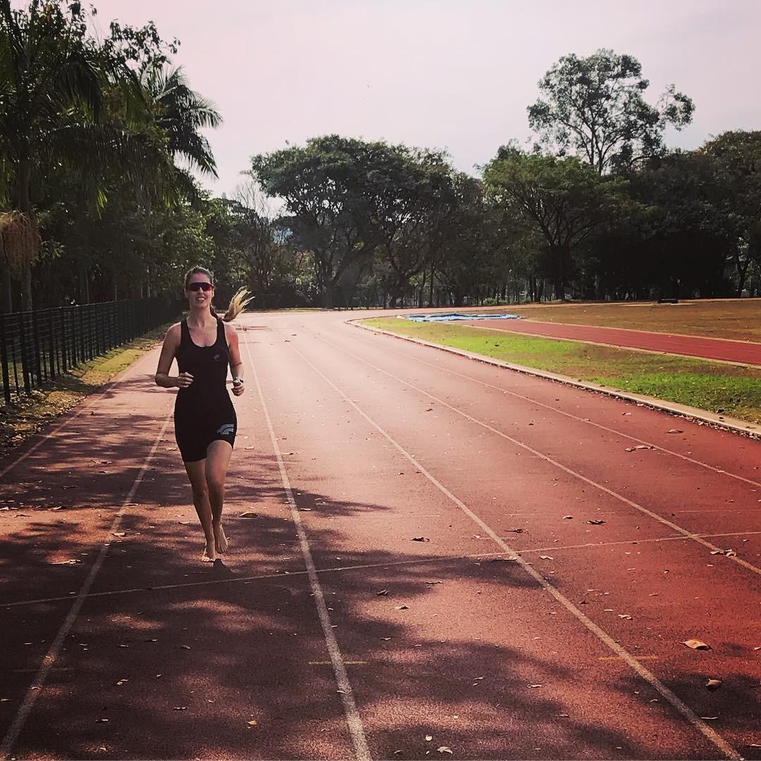 Patrícia tem hoje uma vida normal correndo, nadando e andando de bicicleta (Foto: Instagram/ Patrícia Fonseca)