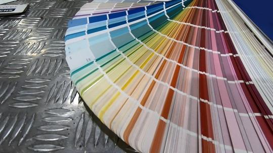 As cores de Roberto Carlos: aprenda como o azul e o branco podem, segundo a cromoterapia, influenciar no dia a dia