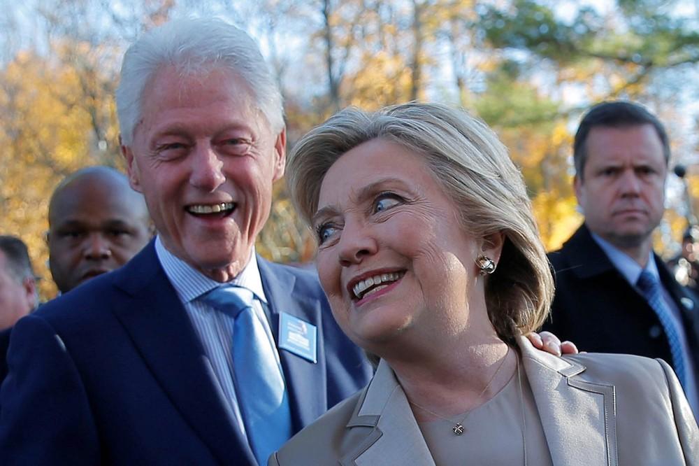 Pacote com suposto explosivo é encontrado na casa de Hillary e Bill Clinton