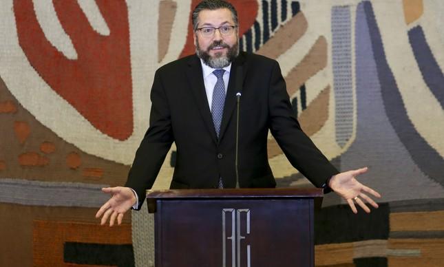 O chanceler Ernesto Araújo ao tomar posse