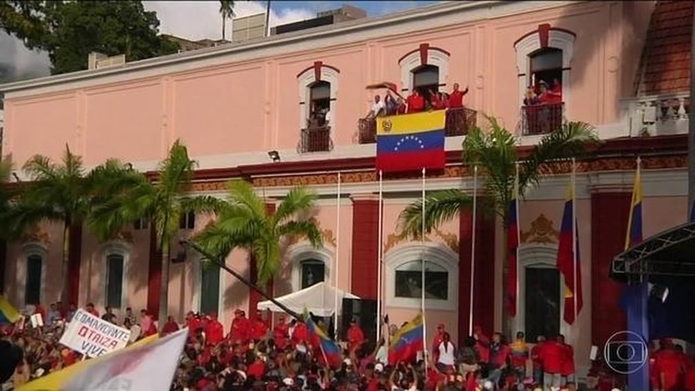 Venezuela é um país dividido entre chavistas e os opositores — Foto: Reprodução/Globo