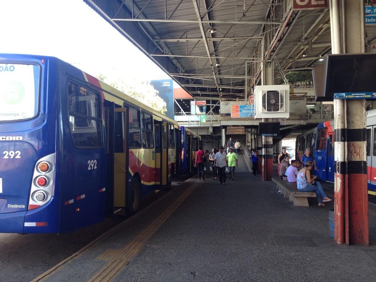 Mulheres flagram homem em ato obsceno dentro de ônibus em Rio Preto