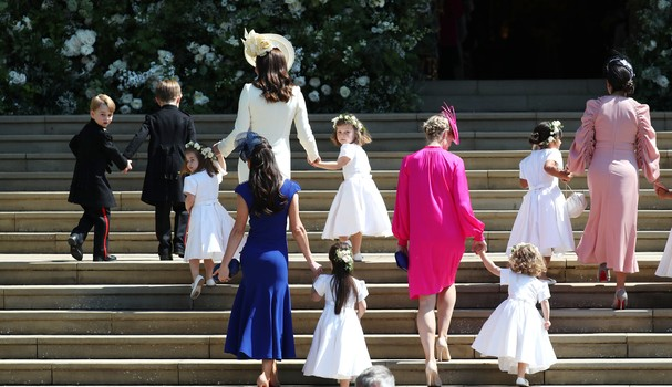 WINDSOR, UNITED KINGDOM - MAY 19:  Catherine, Duchess of Cambridge arrives with the bridesmaids and page boys at St George's Chapel at Windsor Castle for the wedding of Prince Harry and Meghan Markle in St George's Chapel at Windsor Castle on May 19, 2018 (Foto: Getty Images)