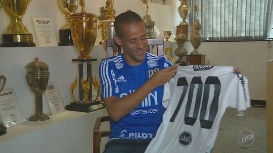 De goleiro no Santos a artilheiro na França: Wendel chega a 700 jogos