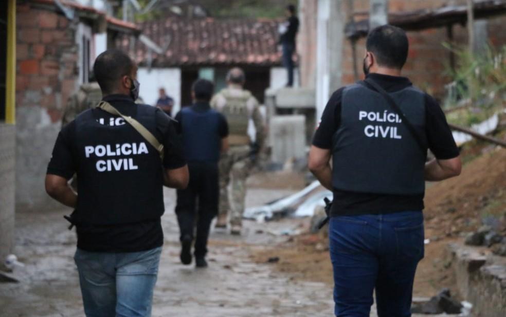 Operação foi deflagrada para cumprir 11 mandados de busca e apreensão — Foto: Alberto Maraux/SSP-BA