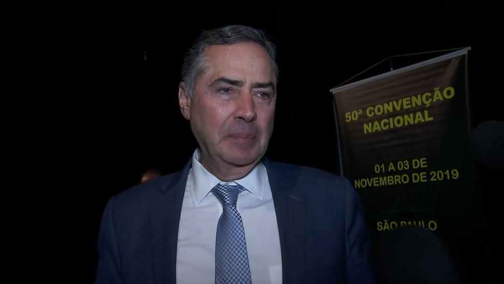 O ministro do STF Luís Roberto Barroso durante evento no Clube Hebraica neste domingo (3) em São Paulo — Foto: TV Globo/Reprodução