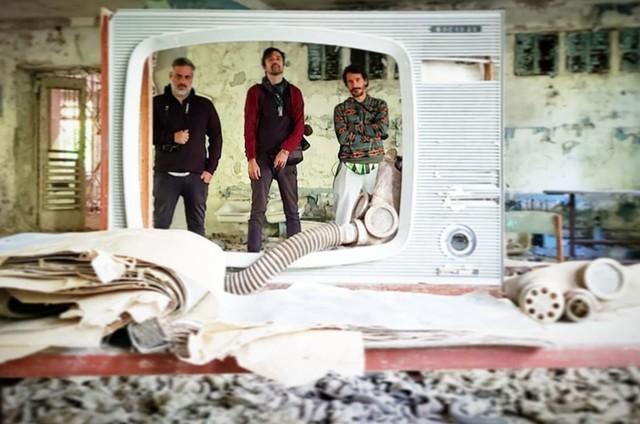 André Fran, Michel Coeli e Rodrigo Cebrian, do 'Que mundo é esse?', em Pripyat (Foto: Arquivo pessoal)