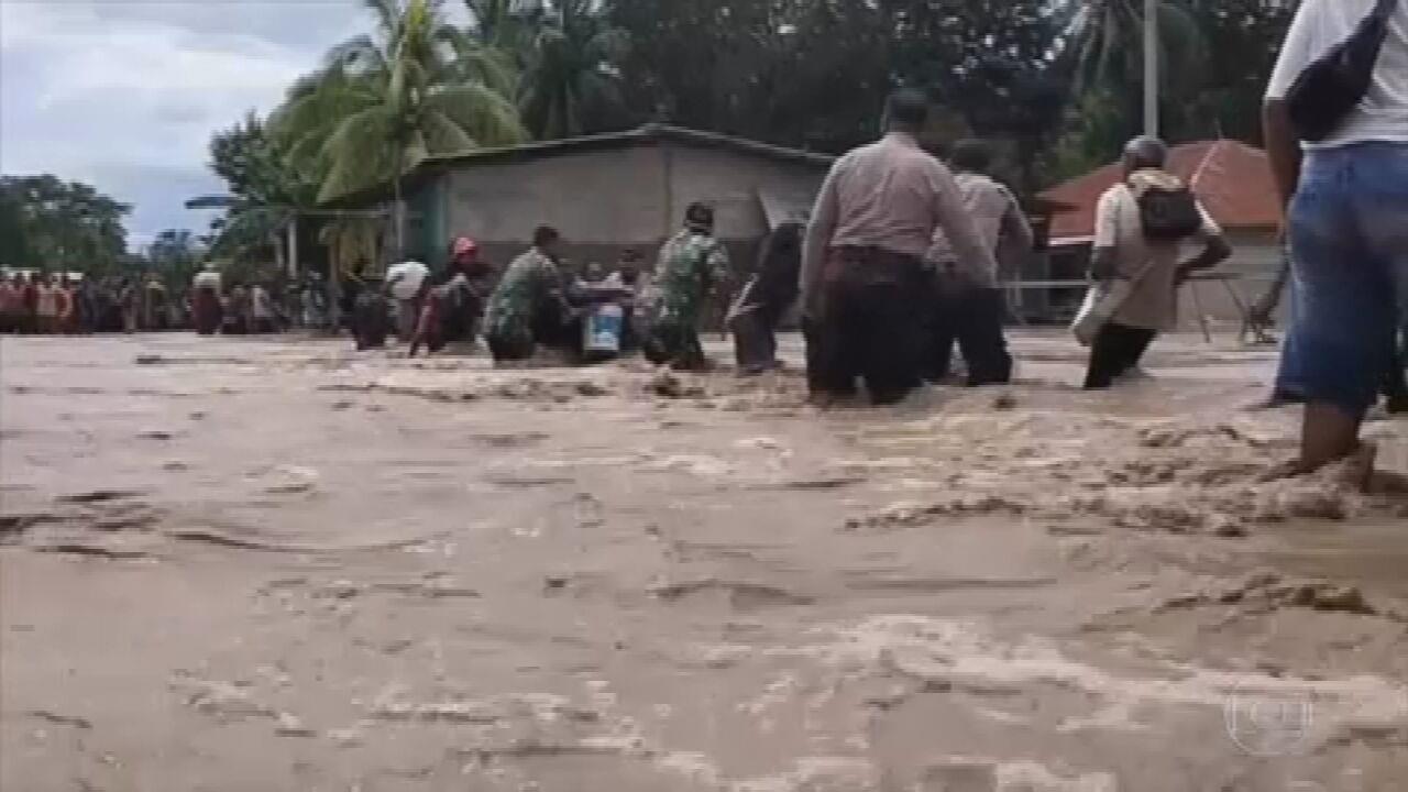 Ciclone mata 113 pessoas na indonésia e em Timor Leste