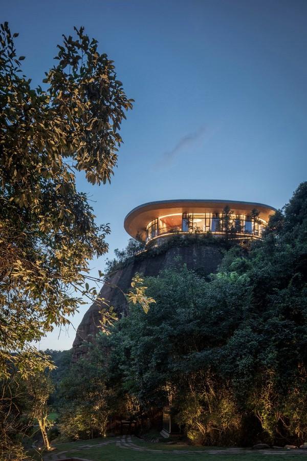 Hotel no topo da montanha promete vistas deslumbrantes na China (Foto: Divulgação)