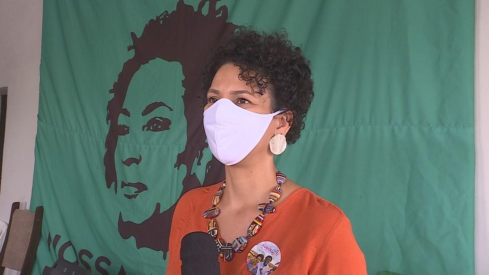 A candidata Áurea Carolina (Psol) participou de uma reunião com professores — Foto: Reprodução/TV Globo