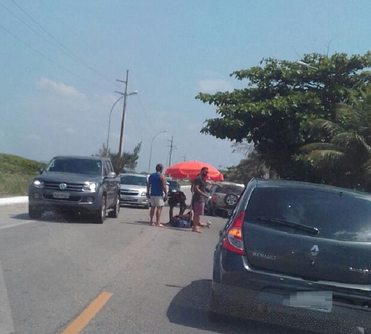Prefeito de Barra Mansa, RJ, é atropelado de bicicleta em Cabo Frio
