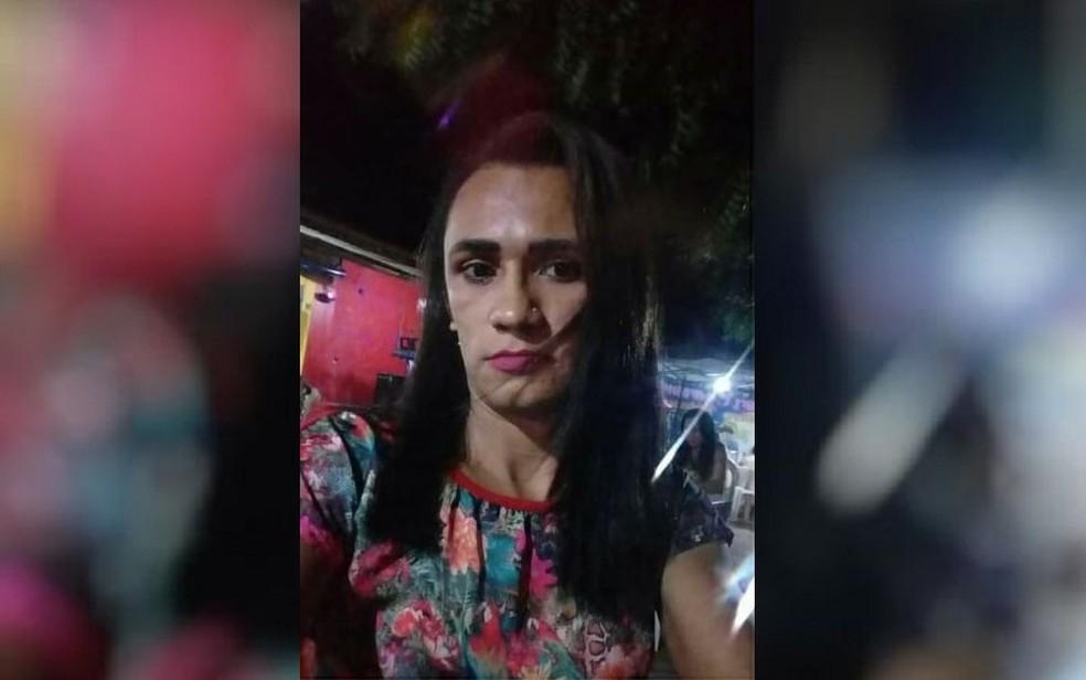 Travesti é assassinada a golpes de faca em Paracuru, no Ceará — Foto: TV Verdes Mares/Reprodução