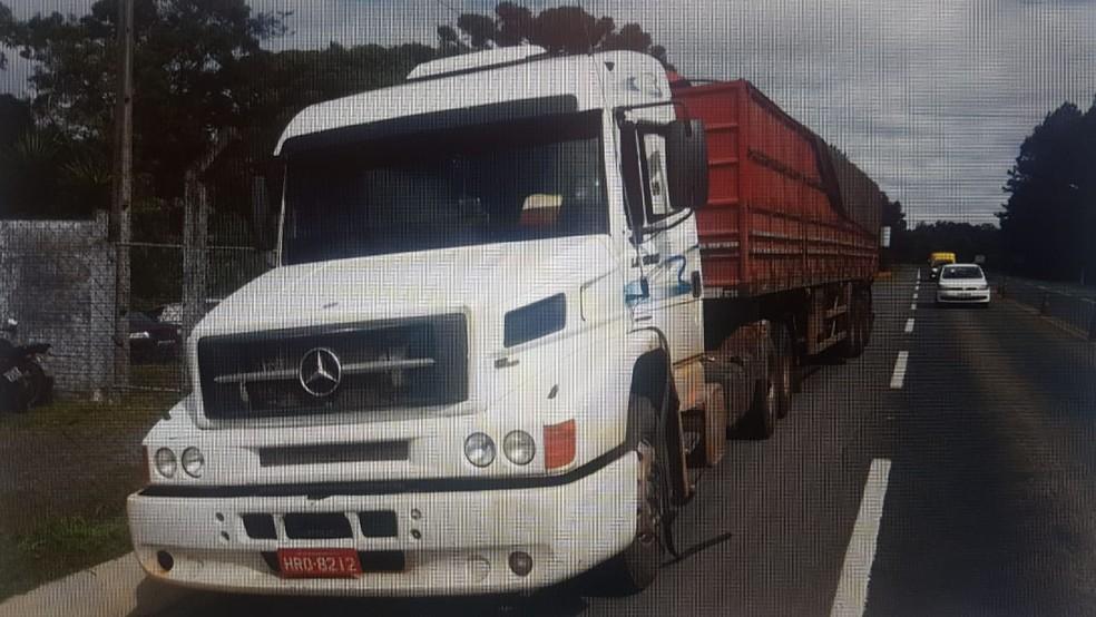Caminhão apreendido pela PF e Força Nacional durante ações em MS — Foto: Polícia Federal/Divulgação