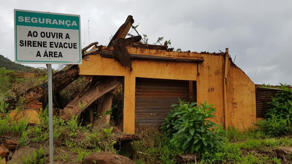 Bento Rodrigues é uma das comunidades destruídas pelo rompimento da barragem de Fundão — Foto: Raquel Freitas/G1