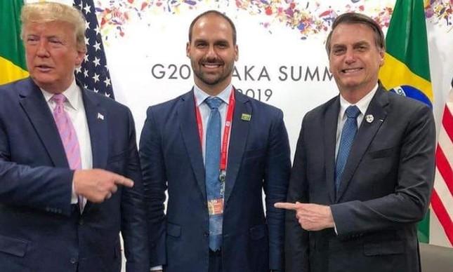 """Trump, Eduardo e Jair Bolsonaro. Para a população, o do meio não é """"o cara"""" para ser embaixador nos EUA"""