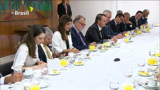 'Eu estou no bolo', diz Bolsonaro após afirmar que classe política é o 'grande problema' do país