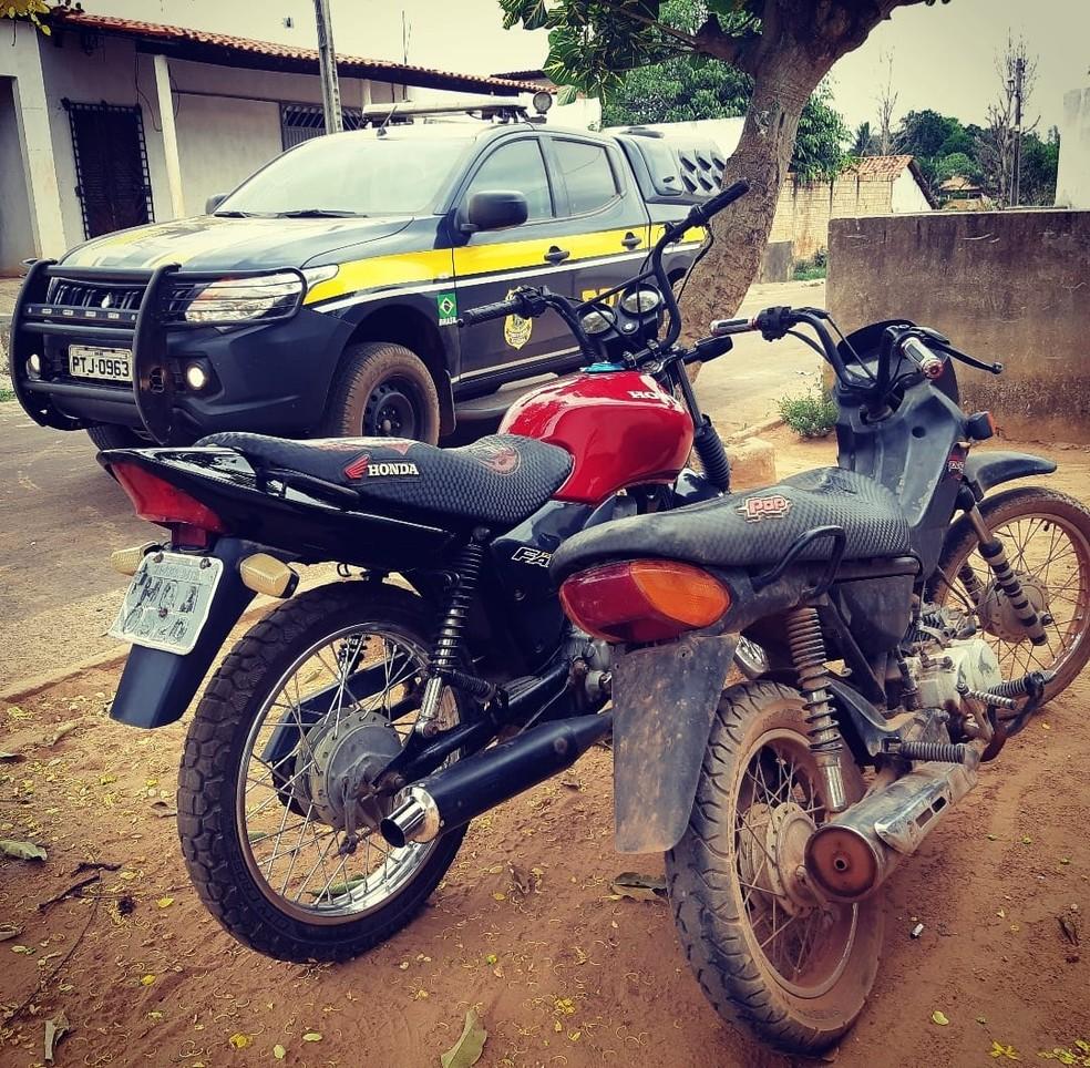 """Dos 146 veículos apreendidos na operação """"Jamnapari II"""", 125 são motocicletas — Foto: Divulgação/Polícia Rodoviária Federal"""