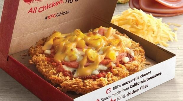 KFC lançou pizza de frango frito em países asiáticos (Foto: Reprodução)