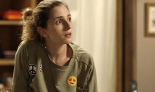 Na segunda (23), Cláudio (Gabriel Stauffer) vai se declarar e beijar Ivana (Carol Duarte)  | Reprodução