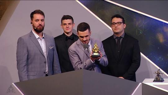 Dynquedo é eleito o melhor jogador no Prêmio CBLoL