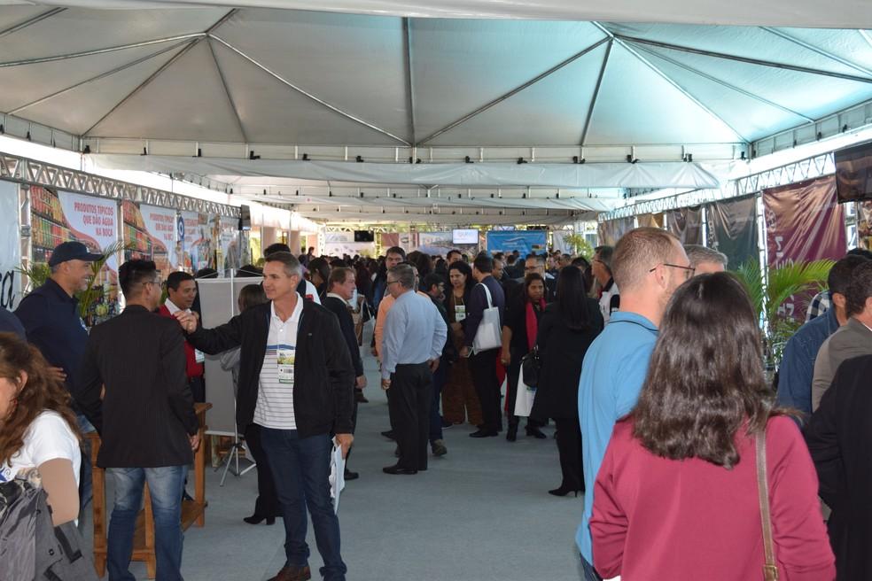 Feira de Negócios Destinos do Brasil Edição Minas Gerais, em Capitólio (MG), apresentou 37 estandes de produtos turísticos e gastronômicos do estado mineiro — Foto: Divulgação