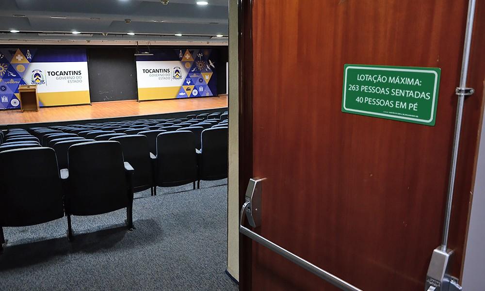 Estabelecimentos devem ter placas para informar capacidade de lotação em ambientes fechados