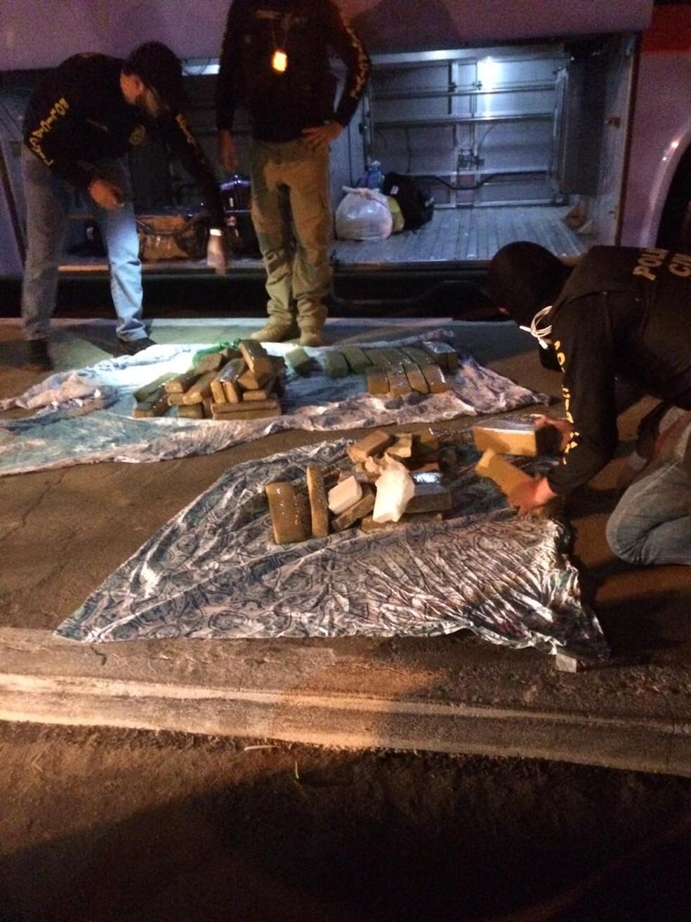 Os quase 50 kg de drogas foram encontrados em ônibus rodoviário em Missão Velha, no Ceará. — Foto: Polícia Civil