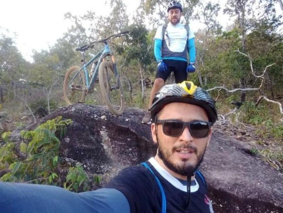 Thiago [de óculos] e Vadonez morreram na TO-010 — Foto: Divulgação