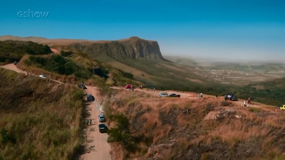 Serro Azul, cidade fictícia de 'O Sétimo Guardião', fica localizada em vale e Serra da Canastra foi escolhida como locação — Foto: Gshow