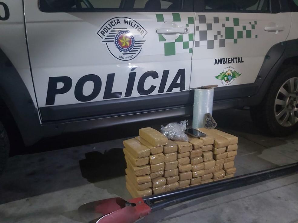 Objetos apreendidos foram levados para a Central de Polícia Judiciária de Marília — Foto: Polícia Ambiental/Divulgação