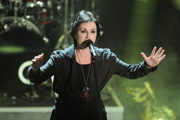 A cantora Dolores O'Riordan durante um show do Cranberries (Foto: Getty Images)