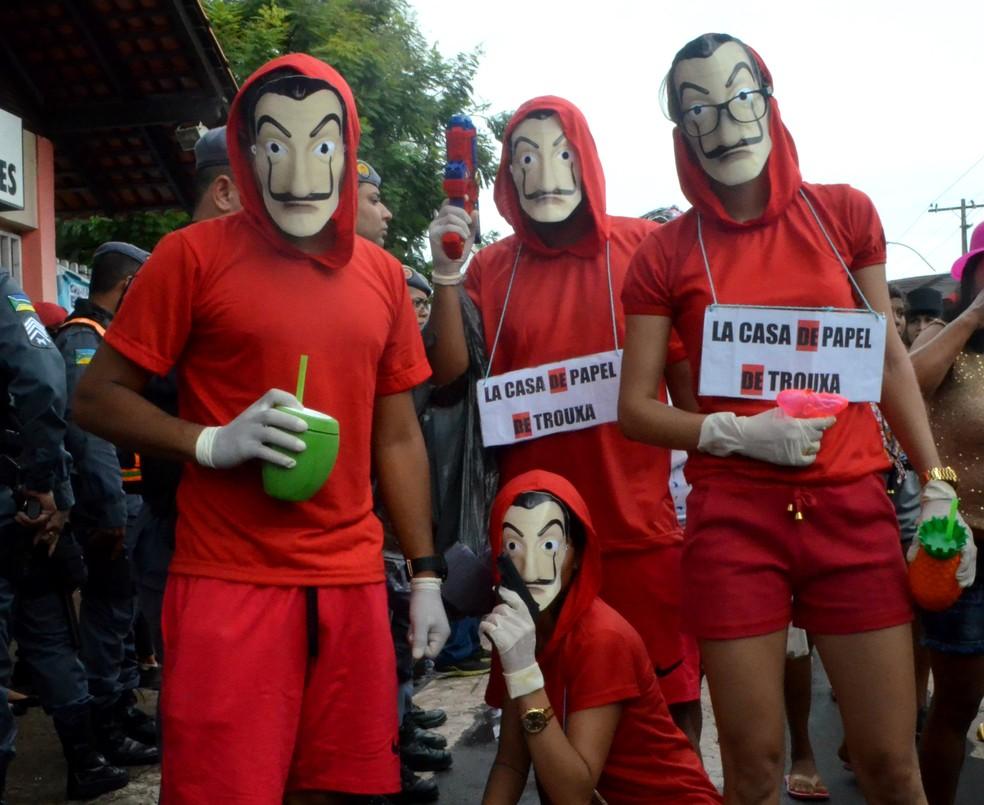 -  Saimon Pantoja, Enzo Santos, Rute Souza e Ruane Martins são fãs do seriado espanhol 'La Casa de Papel'  Foto: Jéssica Alves/G1
