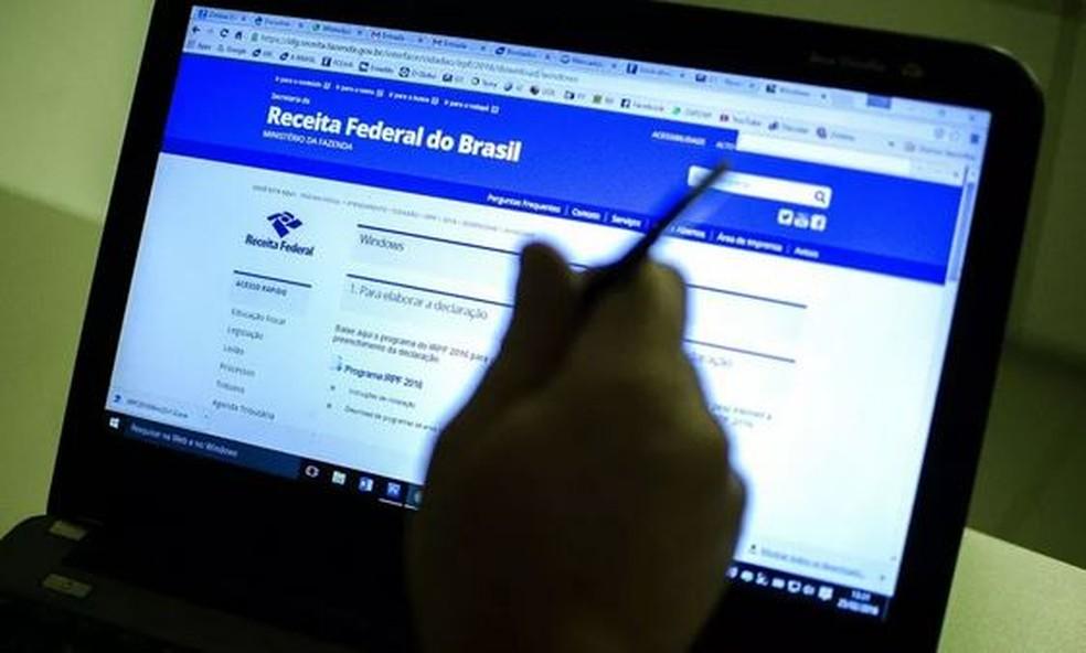 Mais de 1,2 milhão de baianos enviaram a declaração do Imposto de Renda — Foto: Marcelo Camargo/Agência Brasil