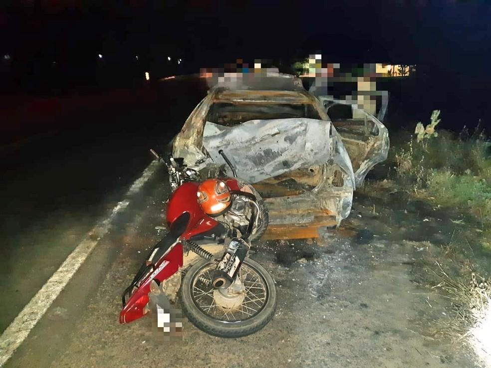 Veículos após colisão em Taquaritinga do Norte — Foto: Polícia Rodoviária Federal/Divulgação