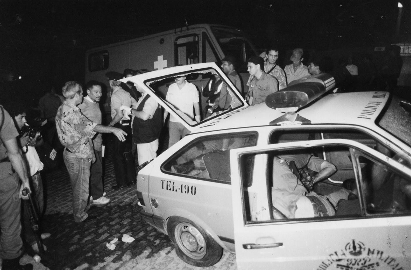 Viatura onde quatro PMs foram mortos em Vigário Geral: matança motivou chacina