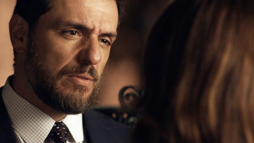 Será que Caio vai perdoar Bibi? (Foto: TV Globo)